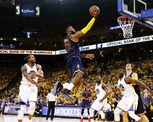 LeBron James Layup in Game 2 of the 2015 NBA Finals