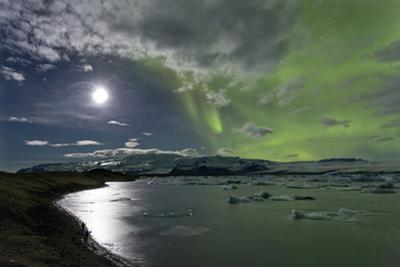 The Aurora Borealis (Northern Lights) over Jokulsarlon Glacial Lagoon, Vatnajokull National Park by Lee Frost