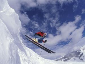 Skiing in Vail, Colorado, USA by Lee Kopfler