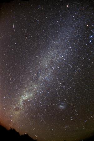 https://imgc.allpostersimages.com/img/posters/leonid-meteors_u-L-PZEIC80.jpg?artPerspective=n