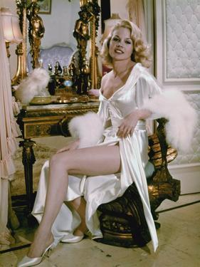 Les Ambitieux THE CARPETBAGGERS by Edward Dmytryk with Carroll Baker, 1964 (photo)
