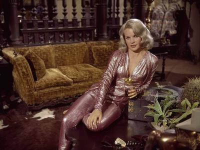 https://imgc.allpostersimages.com/img/posters/les-ambitieux-the-carpetbaggers-by-edward-dmytryk-with-carroll-baker-1964-photo_u-L-Q1C1V640.jpg?artPerspective=n