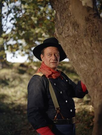 https://imgc.allpostersimages.com/img/posters/les-cavaliers-the-horse-soldiers-by-john-ford-with-john-wayne-1959-photo_u-L-Q1C1ZJU0.jpg?artPerspective=n