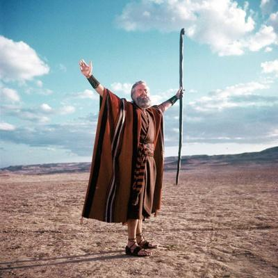 https://imgc.allpostersimages.com/img/posters/les-dix-commandements-the-ten-commandments-by-cecilbdemille-with-charlton-heston-1956-photo_u-L-Q1C2D620.jpg?artPerspective=n
