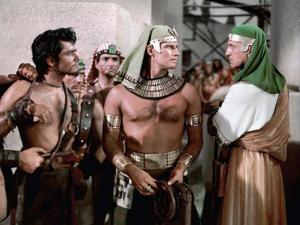 Les Dix Commandements THE TEN COMMANDMENTS by CecilBDeMille with John Derek, Charlton Heston and Vi