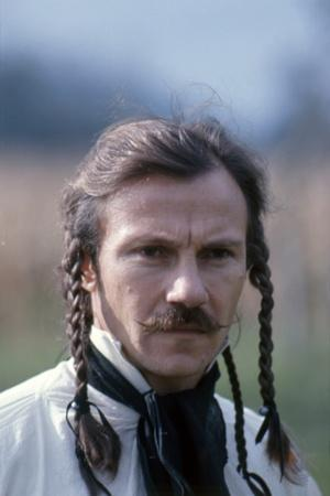https://imgc.allpostersimages.com/img/posters/les-duellistes-the-duellists-by-ridleyscott-with-harvey-keitel-1977-photo_u-L-Q1C1SZ40.jpg?artPerspective=n