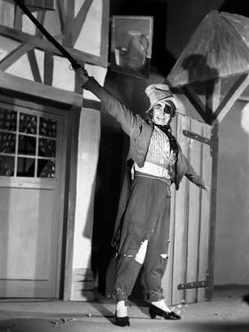 LES ENFANTS DU PARADIS directed by MarcelCarne with Pierre Brasseur, 1944 (b/w photo)