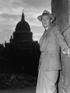 Les Forbans by la nuit Night and the City by Jules Dassin with Richard Widmark, 1950 (b/w photo)