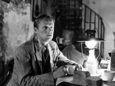 https://imgc.allpostersimages.com/img/posters/les-forbans-by-la-nuit-night-and-the-city-by-jules-dassin-with-richard-widmark-googie-withers-195_u-L-Q1C2ULA0.jpg?artPerspective=n