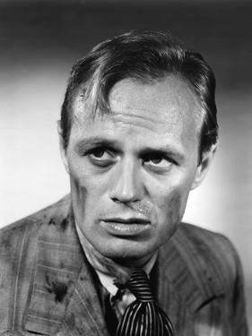 Les Forbans by la nuit Night and the City by JulesDassin with Richard Widmark, 1950 (b/w photo)