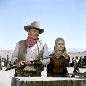 Les Geants by l'Ouest (THE UNDEFEATED) by AndrewV.McLaglen with John Wayne and Marian McCargo (phot