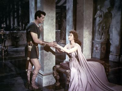 https://imgc.allpostersimages.com/img/posters/les-gladiateurs-demetrius-and-the-gladiators-by-delmerdaves-with-victor-mature-and-susan-hayward_u-L-Q1C2LSA0.jpg?artPerspective=n