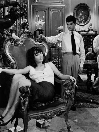 https://imgc.allpostersimages.com/img/posters/les-godelureaux-by-claudechabrol-with-bernadette-lafont-and-jean-claude-brialy-1961-b-w-photo_u-L-Q1C23AI0.jpg?artPerspective=n