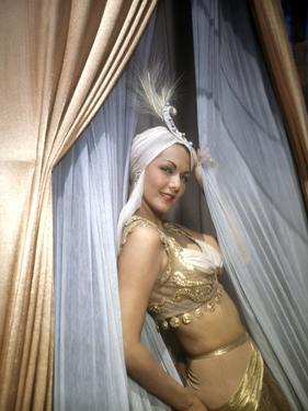 Les mille and une nuits (ARABIAN NIGHTS) by John Rawlins with Maria Montez, 1942 (photo)