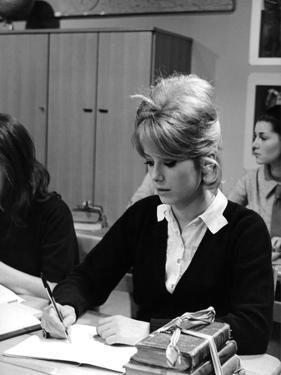 LES PARISIENNES, 1961 directed by MARC ALLEGRET Catherine Deneuve (b/w photo)