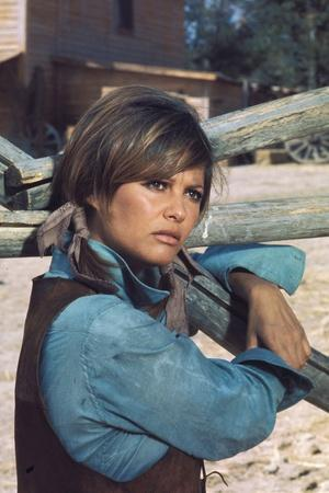 https://imgc.allpostersimages.com/img/posters/les-petroleuse-1971-directed-by-christian-jaque-claudia-cardinale-photo_u-L-Q1C17VJ0.jpg?artPerspective=n