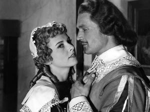 LES TROIS MOUSQUETAIRES, 1953 directed by ANDRE HUNEBELLE Danielle Godet and Georges Marchal (b/w p