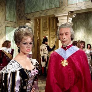 LES TROIS MOUSQUETAIRES, 1961 directed by BERNARD BORDERIE Mylene Demongeot and Daniel Sorano (phot