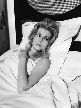 LES VACANCES PORTUGAISES, 1963 directed by PIERRE KAST Catherine Deneuve (b/w photo)