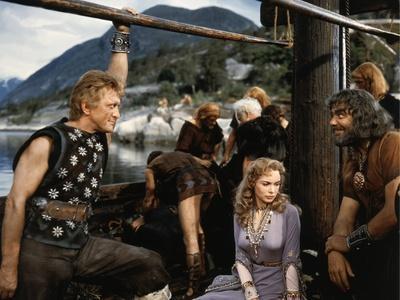 https://imgc.allpostersimages.com/img/posters/les-vikings-by-richard-fleischer-with-kirk-douglas-janet-leigh-and-ernest-borgnine-en-1958-photo_u-L-Q1C1KCC0.jpg?artPerspective=n