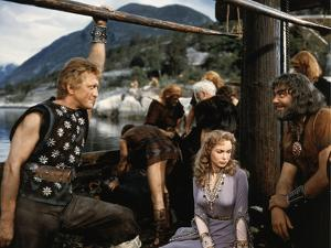 Les Vikings by Richard Fleischer with Kirk Douglas, Janet Leigh and Ernest Borgnine en, 1958 (photo