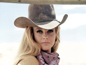 Les Voleurs by Trains THE TRAIN ROBBERS by BurtKennedy with Ann-Margret, 1973 (photo)