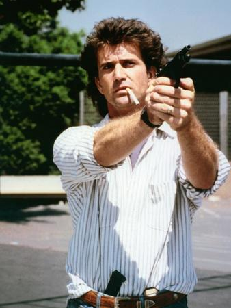 https://imgc.allpostersimages.com/img/posters/lethal-weapon-1987-directed-by-richard-donner-mel-gibson-photo_u-L-Q1C137V0.jpg?artPerspective=n