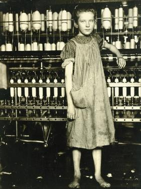 Spinner (Addie Laird), 1910 by Lewis Wickes Hine
