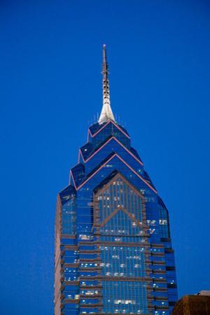Liberty Place skyscrapper at dusk, Philadelphia, PA., USA