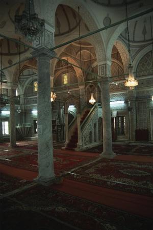 https://imgc.allpostersimages.com/img/posters/libya-tripoli-old-town-gorji-mosque_u-L-PP3CW60.jpg?p=0