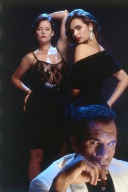 LICENCE TO KILL, 1989 directed by JOHN GLEN Carey Lowell, Talisa Soto and Robert Davi (photo)
