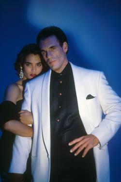 LICENCE TO KILL, 1989 directed by JOHN GLEN Talisa Soto and Robert Davi (photo)