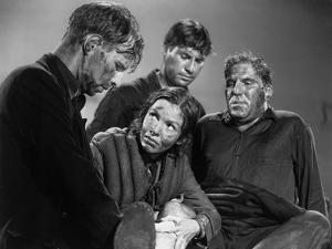 Lifeboat by Alfred Hitchcock with Hume Cronyn, Mary Anderson, John Hodiak and William Bendix., 1944