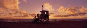 Lifeguard Hut on the Beach, 22nd St. Lifeguard Station, Redondo Beach, California, USA