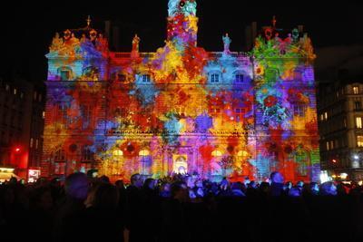 https://imgc.allpostersimages.com/img/posters/light-festival-place-des-terreaux-lyon-rhone-france_u-L-Q1GYH1D0.jpg?artPerspective=n