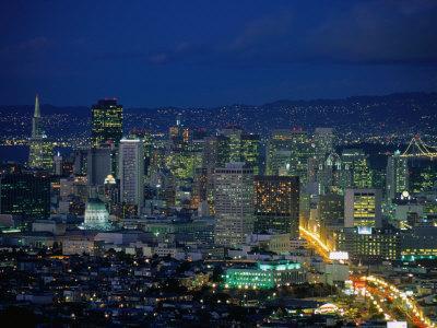 https://imgc.allpostersimages.com/img/posters/lights-of-market-street-seen-from-twin-peaks-san-francisco-usa_u-L-P3SGEL0.jpg?artPerspective=n