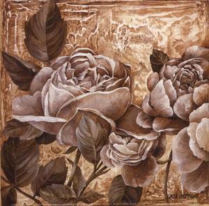 Antique Rose I by Linda Thompson