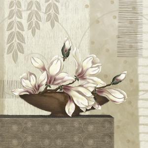 Grandiflora I by Linda Wood