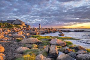 Annisquam Lighthouse, Gloucester, Massachusetts, USA. by Lisa Engelbrecht