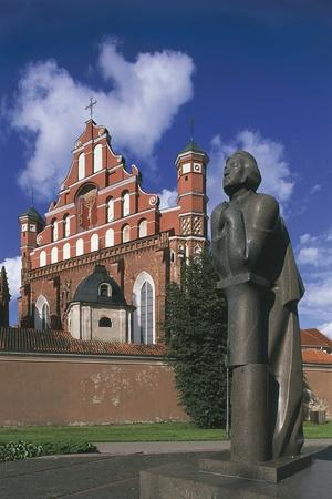 https://imgc.allpostersimages.com/img/posters/lithuania-vilnius-old-town_u-L-PP9SWB0.jpg?p=0