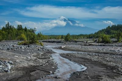 https://imgc.allpostersimages.com/img/posters/little-creek-in-front-of-the-tolbachik-volcano-kamchatka-russia-eurasia_u-L-PQ8M9Z0.jpg?p=0
