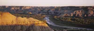 Little Missouri River, Badlands, Theodore Roosevelt National Park, North Dakota, USA