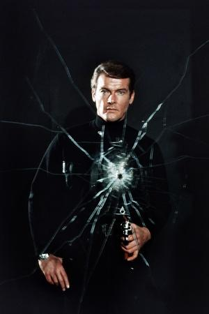 https://imgc.allpostersimages.com/img/posters/live-and-let-die-roger-moore-1973_u-L-Q12OXS50.jpg?artPerspective=n