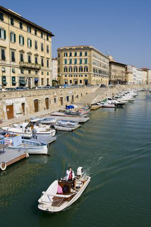 https://imgc.allpostersimages.com/img/posters/livorno-waterfront_u-L-Q1AS21R0.jpg?artPerspective=n