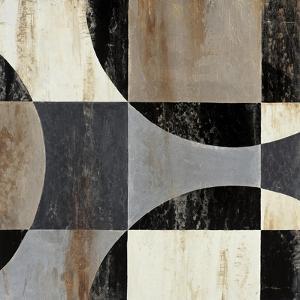 Interlocking Circles II by Liz Jardine