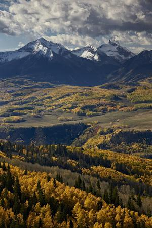 https://imgc.allpostersimages.com/img/posters/lizard-head-and-yellow-aspens-in-the-fall_u-L-PWFFI70.jpg?artPerspective=n