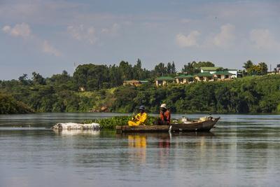 https://imgc.allpostersimages.com/img/posters/local-fisherman-in-a-dugout-canoe-in-jinja-uganda-east-africa-africa_u-L-PQ8PBB0.jpg?p=0