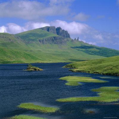 https://imgc.allpostersimages.com/img/posters/loch-fada-and-the-storr-isle-of-skye-highlands-region-scotland-uk-europe_u-L-P2QWDJ0.jpg?p=0