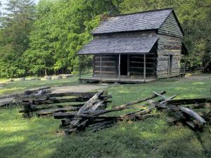 Log Cabin of John Oliver, Built in the 1820s, Great Smokey Mountains National Park, Tennessee