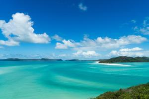 Turquoise waters around Whitsunday Island in Queensland, Australia, Pacific by Logan Brown